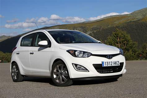 Hyundai I20 2012  Reviews, Prices, Ratings With Various