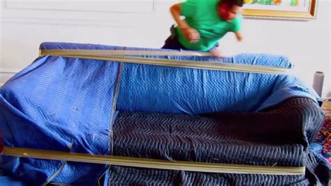 Sofa Moving by How To Pack Sofa Packing Tips Tricks For Moving House