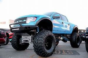 Lifted Ford Raptor - Photo 89009627 - 22 Hot New Products ...
