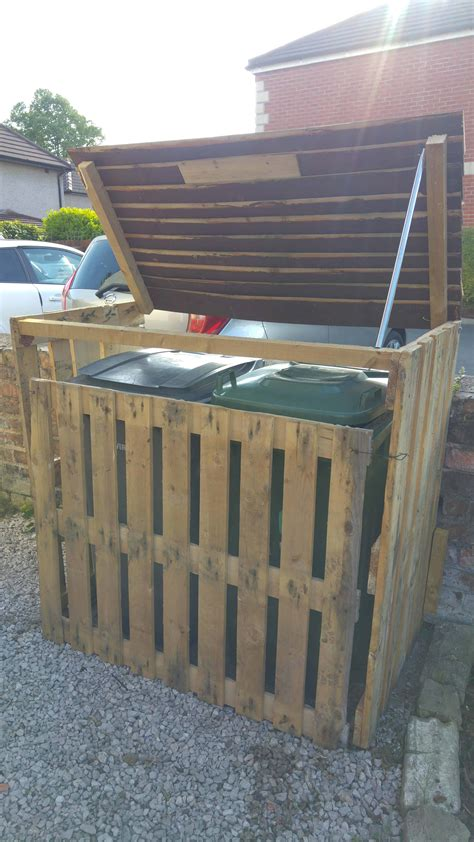 pallet garbage bin storage shed  pallets
