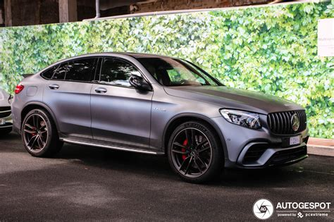 And all this together with six other passengers, each of them in pole position. Mercedes-AMG GLC 63 S Coupe C253 2018 - 19 April 2019 ...