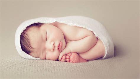 beautiful  creative photographs  newborns dzine mag