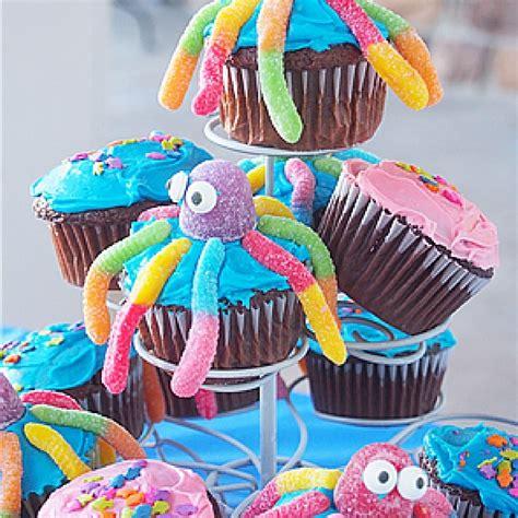 gummy worm day   gummy worm cake cakerschool