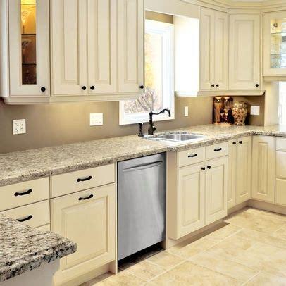butter cream glazed kitchen cabinets visit houzz com