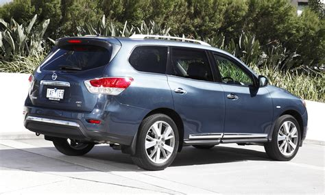 nissan pathfinder pricing  specifications