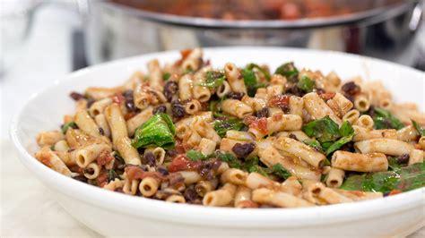 cuisine ella ella shares one pot recipes tomato pasta and