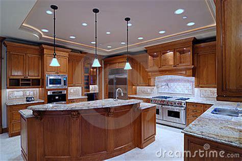 cuisine americaine de luxe grande cuisine ouverte photographie stock image 3660432