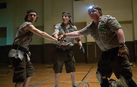 zombie apocalypse scouts guide logan miller sheridan tye survive film joey morgan carter plays zombies movie movies ben survival paramount