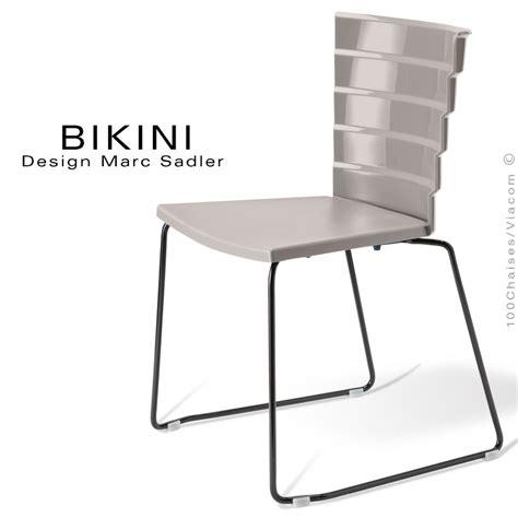 chaise à piètement luge jumbo chaise design pour terrasse piètement type luge