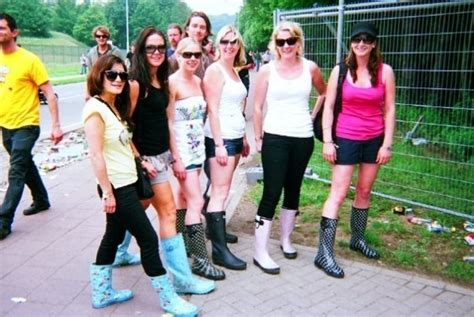 girls  gumboots photo