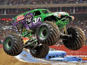 grave digger monster truck images 39 grave digger 39 driver celebrates 30 years during a