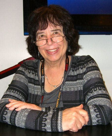 Jane Yolen Death Fact Check, Birthday & Age | Dead or Kicking