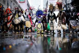 new orleans mardi gras costumes new orleans shivers in one of coldest mardi gras