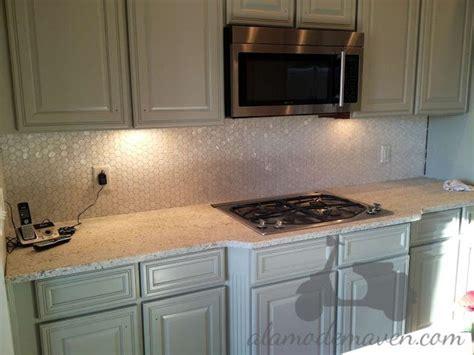 hexagon tile kitchen backsplash 24 best images about kitchen tiles splashback on 4180