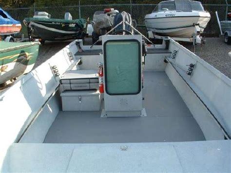 Alumaweld Boat Windshield by 2004 Alumaweld 19 Svls Center Console Boats Yachts For Sale