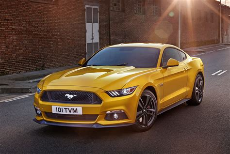 Guy Martin Reviews The 2016 Ford Mustang Gt