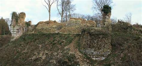 chambre d hote pont audemer photo château médiéval de montfort sur risle