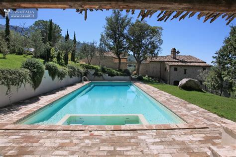 Farmhouse With Annex And Swimming Pool For Sale In Trevi