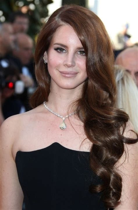 Lana Del Rey Formal Curly Hairstyle Popular Haircuts
