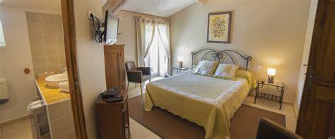 chambres d hotes avignon et alentours chambre d 39 hôtes entre vigne et garrigue à pujaut proche d