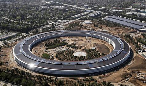 Apples Headquarters New Pictures by New Apple Park Cus Is Steve Ambitious Project