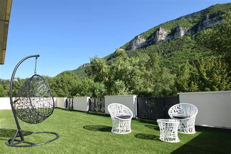 chambre bulle dans la nature terrasse panoramique gorges du tarn ecolodge bulles