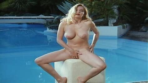 Moana Pozzi Nue Dans Vedo Nudo
