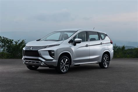 mitsubishi expander all new mitsubishi xpander debuts in indonesia carscoops