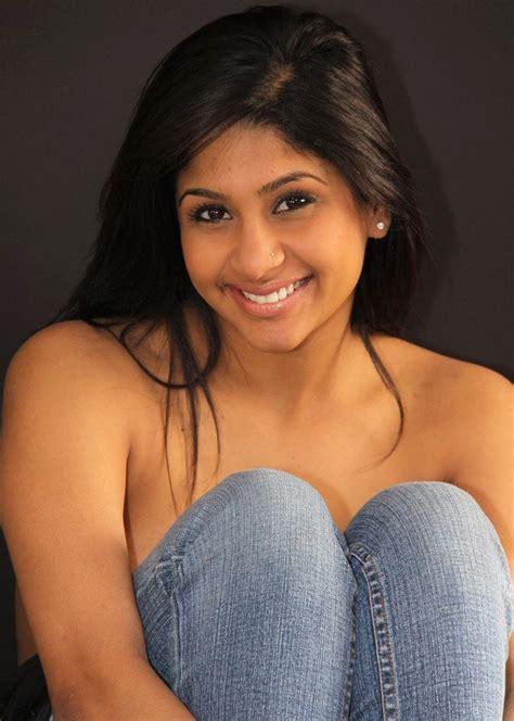 White Saree Neha Topless Poses
