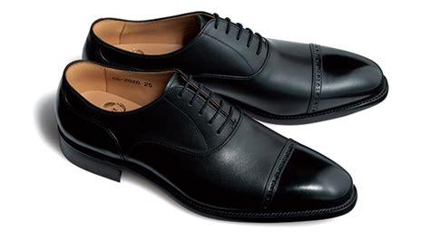 靴 磨き の 少年