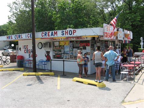 curl ice cream shop outdoor cafe