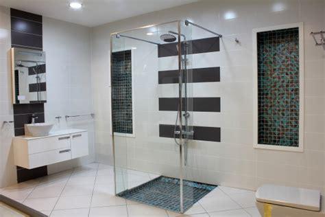 salle de bains bisazza bleu et gris anthracite