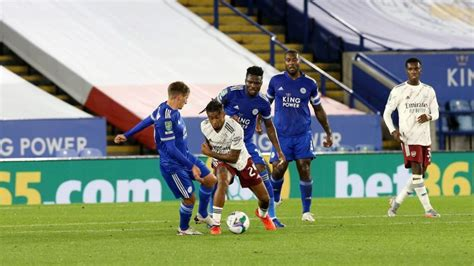 Leicester City captain Wes Morgan happy to see 'fantastic ...