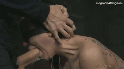 Obedient Girls Jizzed On Face