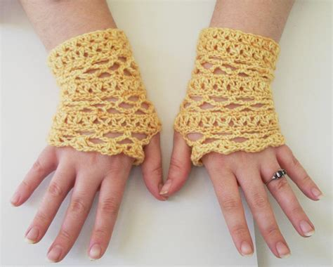 fingerless gloves crochet 17 fingerless gloves crochet patterns guide patterns
