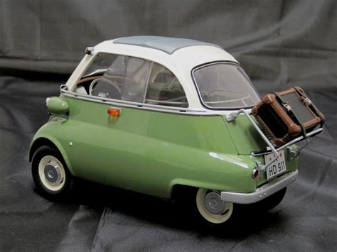 Bmw Isetta 250 1/12th Scale Export Green Diecast Model
