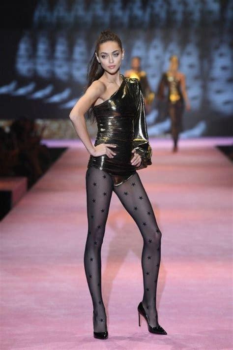 Zhenya Katava At The Calzedonia Leg Show 2017 With Images Womens Fashion Trends Fashion