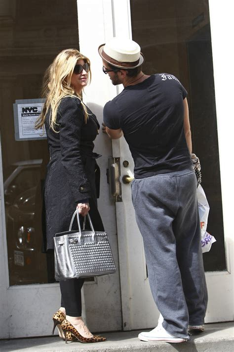 You can find the song if you only know parts of the the dj is da candy. Kirstie Alley Photos Photos - Kirstie Alley and a new boyfriend in New York City - Zimbio