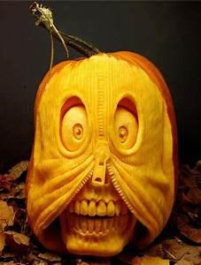 Bizarre Halloween Jack O'Lantern pumpkins carved by Ray