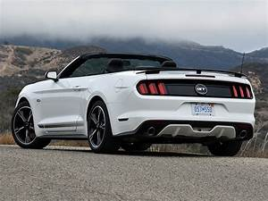 Short Report: Ford's 2017 Mustang GT Convertible is a love-it-or-hate-it proposition defined by ...