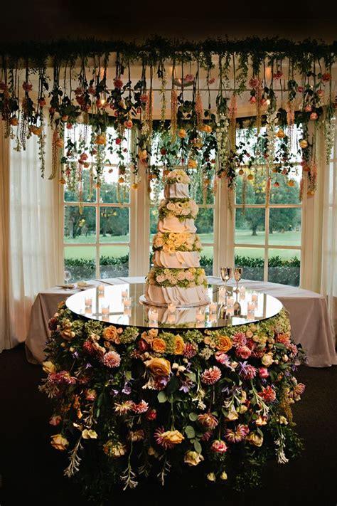 memphis wedding    hanging flowers hanging