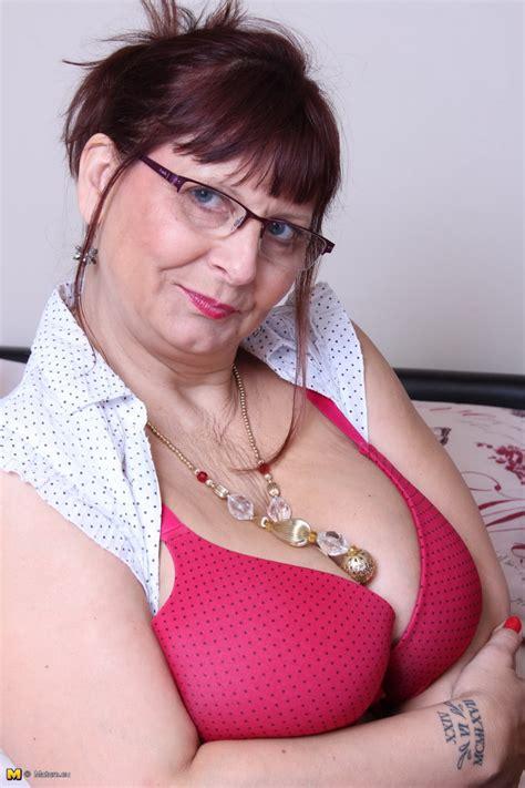 Big Breasted British Mature Slut Getting Naughty Pichunter