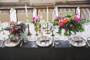 Geschirr Mit Blumen : tischdekoration mit blumen von botanic art und vintage geschirr und besteck von gotvintage bei ~ Frokenaadalensverden.com Haus und Dekorationen