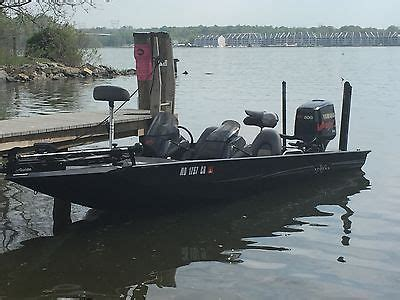 Xpress X19 Bass Boat by Xpress Boat And Trailer Boats For Sale