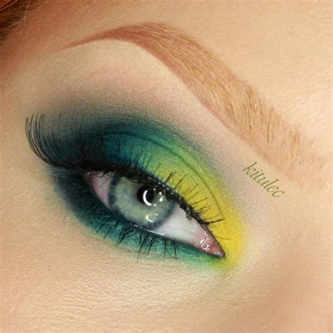 sleek del mar ii bold bright green eyes makeup tutorial makeup  green eyes yellow eye