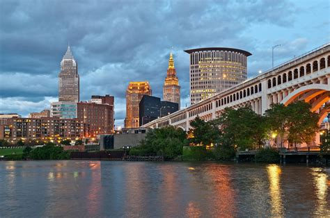 homes  sale  mentor ohio cleveland suburbs real