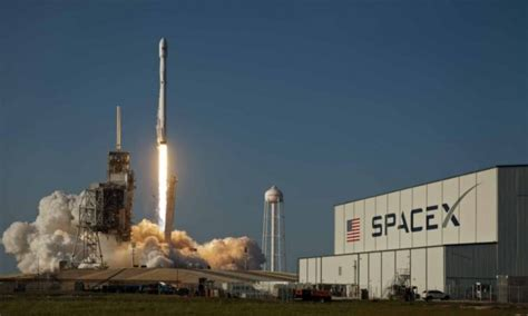 SpaceX, Microsoft partner in global satellite Internet ...