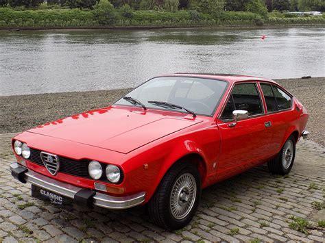 Classic Chrome  Alfa Romeo Alfetta Gt 18 1974 (m) Red