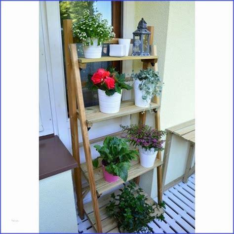balkon pflanzen töpfe regal balkon wetterfest blumentreppe blumenst nder pflanzentreppe blumenregal holz regal