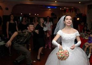 Embarrassing and WTF Wedding Moments (61 pics) - Izismile.com